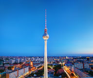 De toren of Fersehturm van TV in Berlijn, Duitsland Stock Fotografie