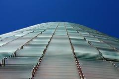 De Toren van Agbar (Torre Agbar in het Spaans) Royalty-vrije Stock Afbeelding
