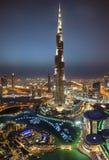 De toren van Burjkhalifa bij nacht Stock Afbeelding