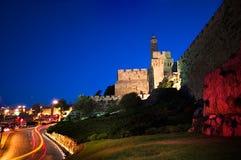 De toren van David - Oude stadsmuren bij dageraad, Jeruzalem Stock Foto's