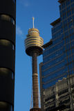 De toren van de AMPÈRE van Sydney in de stad Stock Foto