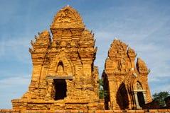De toren van de Chamtempel in Vietnam royalty-vrije stock afbeelding