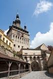 De toren van de citadel in een middeleeuwse stad stock fotografie