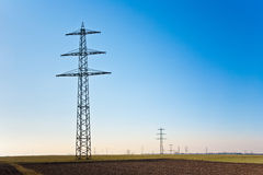 De toren van de elektriciteit voor energie met hemel Royalty-vrije Stock Foto