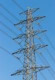 De toren van de hoogspanningsmacht stock fotografie