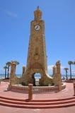 De toren van de steen met klok Royalty-vrije Stock Afbeeldingen