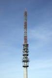 De toren van de telecommunicatieantenne Stock Afbeelding