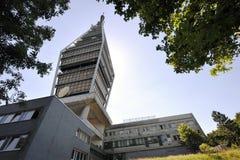 De toren van de televisie in Bratislava royalty-vrije stock fotografie