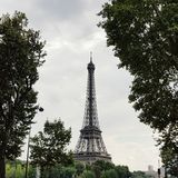 De toren van Eiffel, beroemdste oriëntatiepunt in de wereld stock afbeeldingen