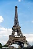 De Toren van Eiffel bij zonsondergang in Parijs, Frankrijk Romantische reisachtergrond Stock Fotografie