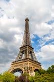 De Toren van Eiffel bij zonsondergang in Parijs, Frankrijk Romantische reisachtergrond Royalty-vrije Stock Fotografie