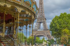 De Toren van Eiffel en de Carrousel, Parijs Royalty-vrije Stock Foto