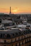 De toren van Eiffel en daken van Parijs Stock Afbeelding