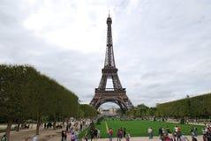 De Toren van Eiffel, oriëntatiepunt, toren, nationaal historisch oriëntatiepunt, toeristische attractie stock foto's