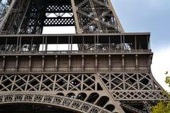 De toren van Eiffel, staaldetails, Parijs, Frankrijk Stock Foto's