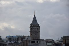 De toren van Galata in Istanboel Turkije stock foto
