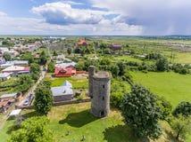 De toren van het Cantacuzinowater in Floresti, Prahova, Roemenië stock foto's