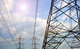De toren van het hoogspannings postHigh-voltage Stock Afbeeldingen