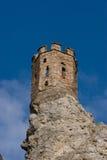 De toren van het kasteel op een rots Royalty-vrije Stock Foto's