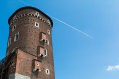 De toren van het Wawelkasteel in Krakau, Polen stock afbeeldingen