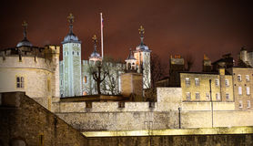 De toren van Londen iluminated 's nachts volledig Royalty-vrije Stock Foto