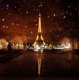 De Toren van Parijs Eiffel bij Nacht Stock Foto