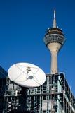 De Toren van Rijn, SatellietSchotel Stock Afbeeldingen