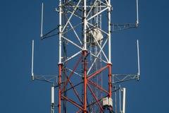 De toren van de roostertelecommunicatie royalty-vrije stock foto