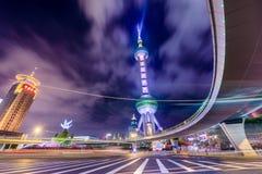De Toren van Shanghai bij Nacht Stock Afbeelding