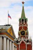 De toren van Spasskaya in Moskou het Kremlin Stock Afbeelding