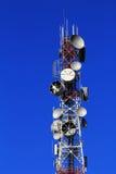 De toren van telecommunicatie royalty-vrije stock afbeelding