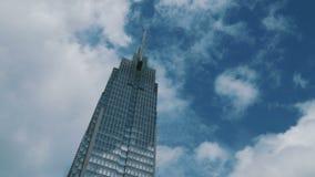 De toren van Vietcombank HCM van de Timelapsemening stock video