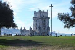 De Toren volgende Ebro van Belem rivier in Lissabon portugal stock fotografie