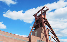 De toren voor de mijnbouw bij de fabriek Stock Fotografie