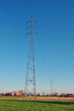 De torens van de hoogspanningstransmissie - elektriciteit Royalty-vrije Stock Fotografie