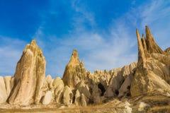 De torens van de rotsvorming in Cappadocia, Turkije Stock Afbeeldingen