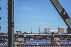 De torens van het overeenkomstcentrum om het even welke horizon in Portland, Oregon royalty-vrije stock fotografie