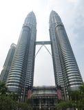 De torens van Petronas, Kuala Lampur, Maleisië stock afbeeldingen