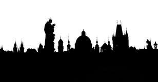 De torenssilhouetten van Praag van Charles Bridge royalty-vrije stock afbeelding