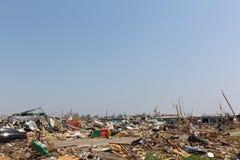 De tornado beschadigde landschap, niets dan puin. Royalty-vrije Stock Afbeelding