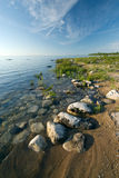De Tour国家公园的岩石休伦湖畔海岸线 库存照片