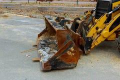 De tractor of de Bulldozer op bouwwerf Stock Afbeeldingen