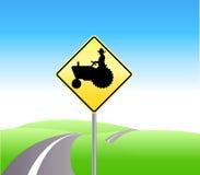 De tractor die van het landbouwbedrijf voorzichtigheid kruist Royalty-vrije Stock Foto