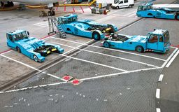 De tractoren van Pushback van Towbarless in luchthavens Royalty-vrije Stock Afbeelding