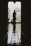 De traditionele Boedha beeldhouwwerken van Thailand, Buddhas in de Tempel Royalty-vrije Stock Afbeelding
