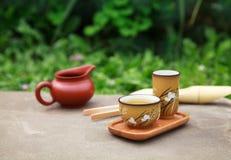 De traditionele Chinese toebehoren van de theeceremonie (theekoppen en hoogte Royalty-vrije Stock Foto's
