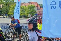 De traditionele Fiets van de fietsconcurrentie voor het leven Raceauto's die wachten te beginnen Stock Foto's