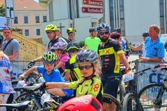 De traditionele Fiets van de fietsconcurrentie voor het leven Raceauto's die wachten te beginnen Stock Foto