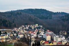 De traditionele gebouwen van Karlovy variëren stock fotografie
