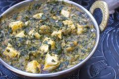De traditionele Indische spinazie van voedselpalak Paneer Stock Afbeelding